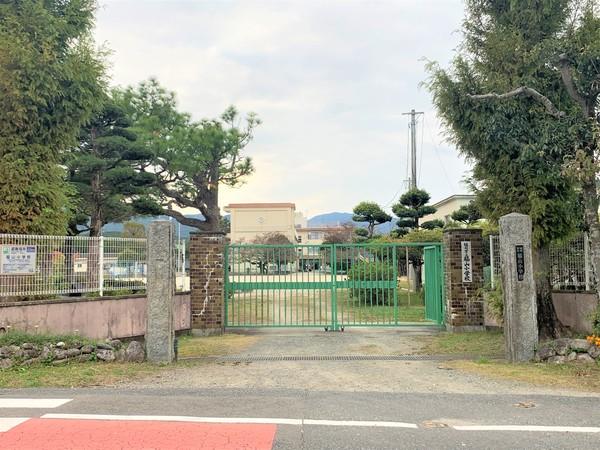 福岡市早良区大字脇山戸建の小学校画像