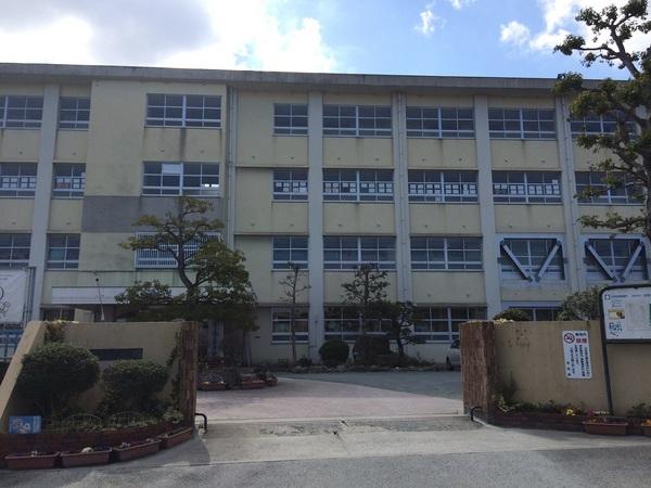 第二堤ハイツ 増築の中学校画像