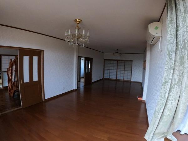 成田市 十余三のリビング画像
