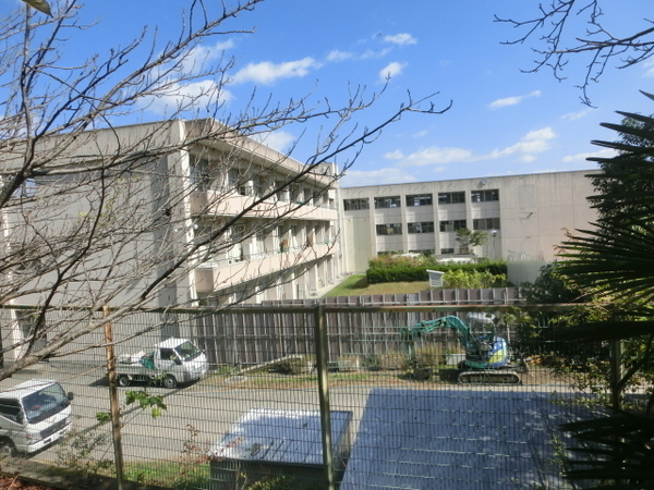 生駒市あすか野北2丁目の中古一戸建の小学校画像