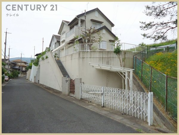 生駒市喜里が丘2丁目の中古一戸建の外観画像