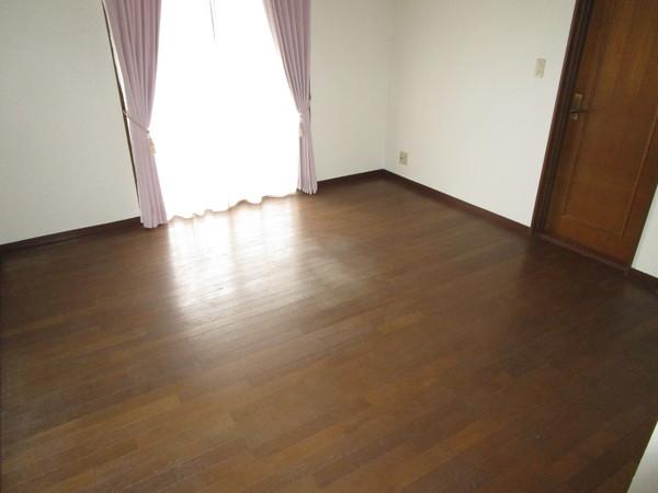 奈良市左京1丁目 中古一戸建の寝室画像