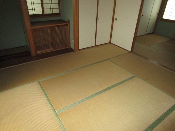 奈良市左京1丁目 中古一戸建の和室画像