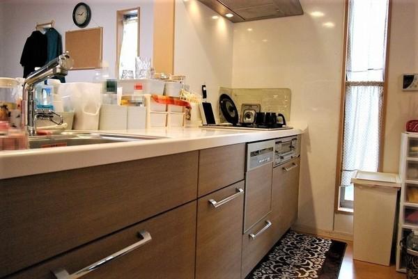 アクロス桧原 謳家の杜のキッチン画像